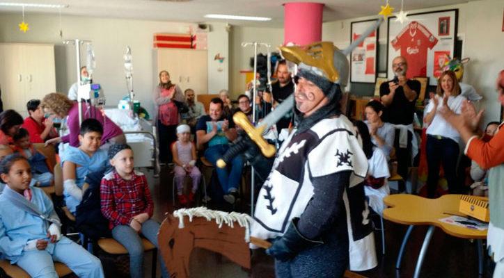 Visita de la Fundación Terra Mítica al Hospital General de Alicante